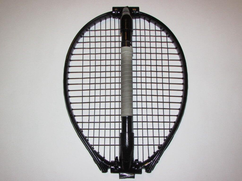 Knuckle Racket aka Knuckle Racquet